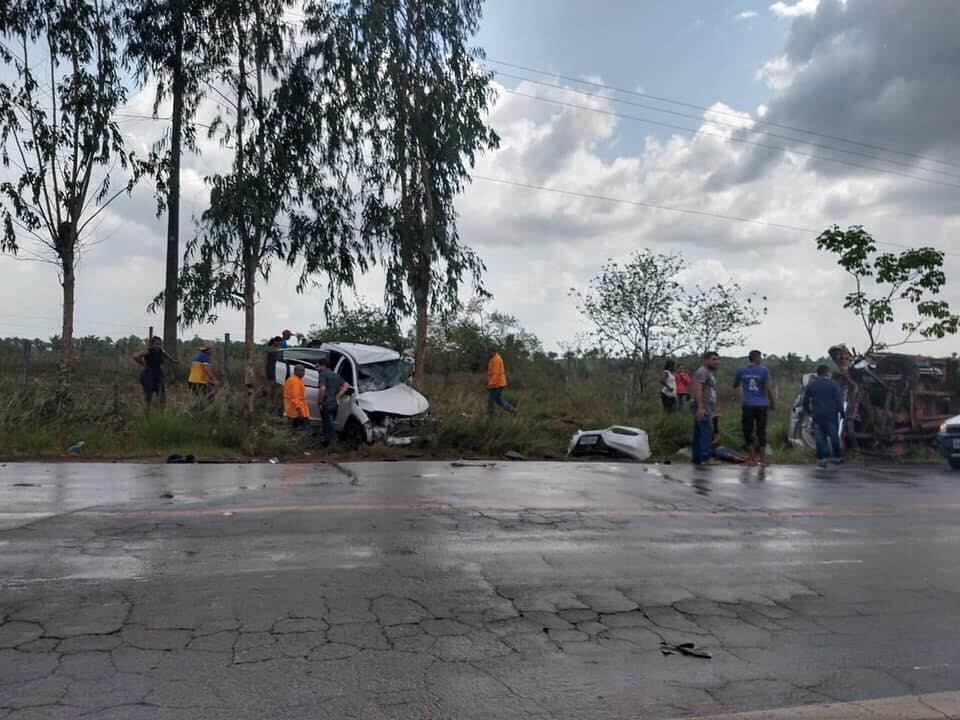 Photo of Três mortos e cinco feridos graves em colisão frontal na BR-222, no Maranhão