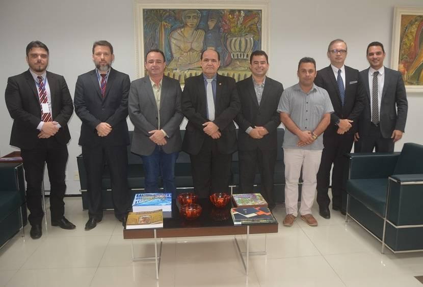 Photo of Diretores da Famem visitam Ministério Público do Maranhão