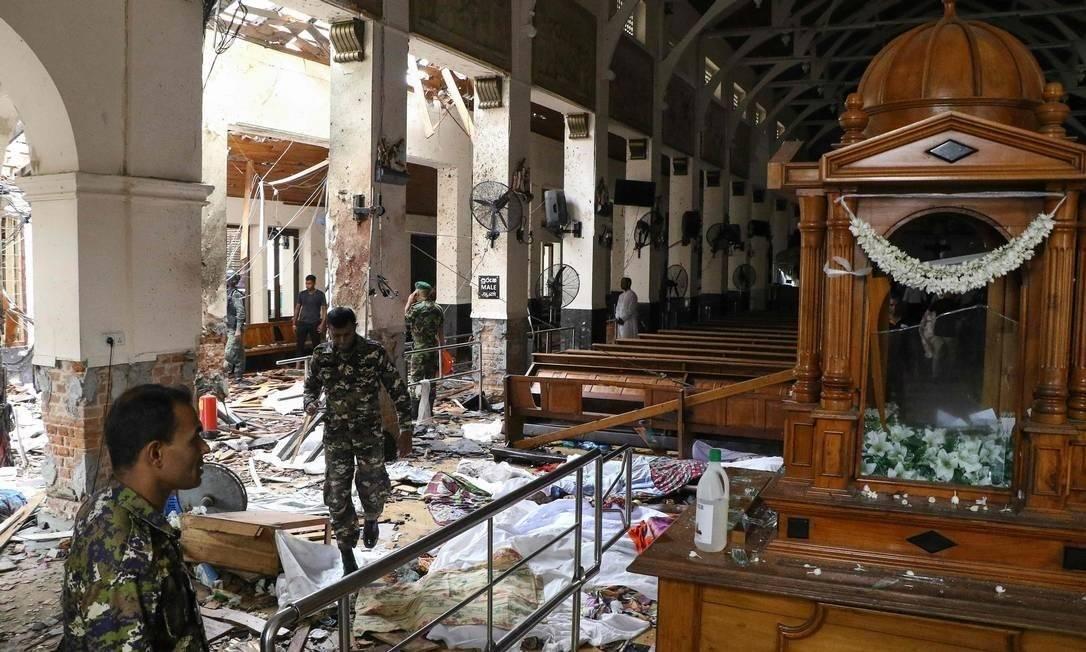 Photo of Atentados em igrejas católicas e hotéis no Sri Lanka deixam mais de 200 mortos no Domingo de Páscoa