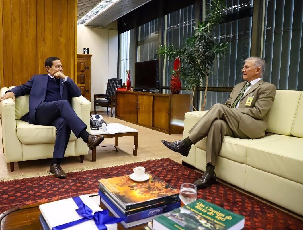 Photo of Coronel Monteiro é recebido pelo vice-presidente da República em Brasília