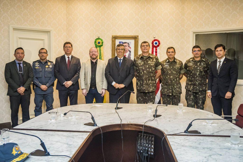Photo of Exército faz doação de 50 fuzis para a Polícia Militar do Maranhão