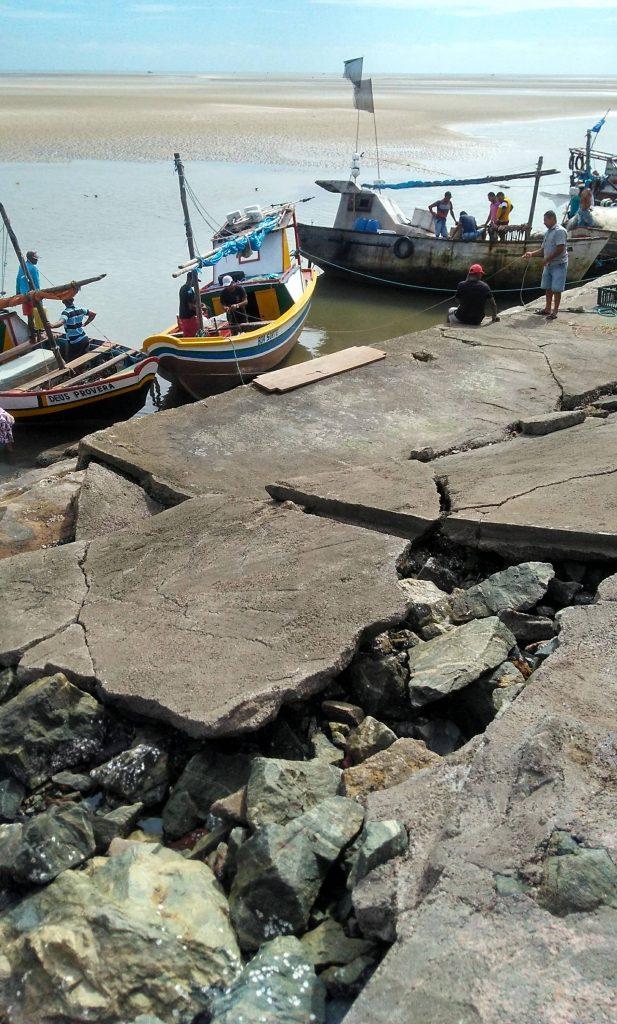 Photo of Problemas estruturais no Cais de Raposa prejudica pescadores e o turismo local