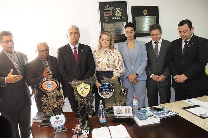 """Photo of Mical Damasceno promove """"mobilização missionária"""" com cultos nos gabinetes"""