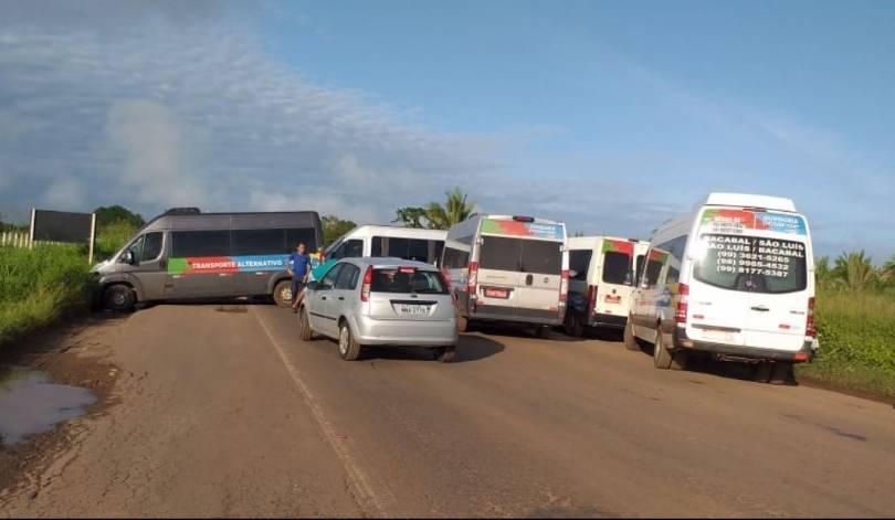 Photo of Motoristas de vans e caminhoneiros fecham BR-135 e exigem melhorias na rodovia