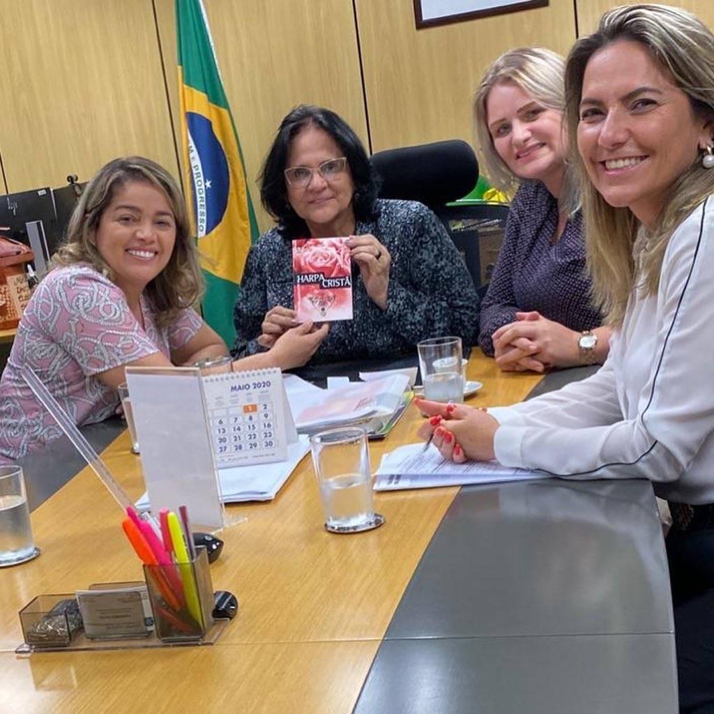 Photo of Mical Damasceno se reúne com a ministra Damares em Brasília