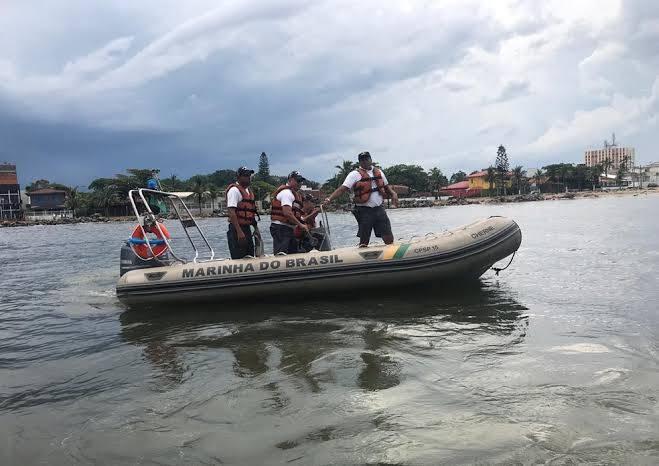Photo of Marinha vai investigar naufrágio de embarcação com cinco pessoas em Tutóia (MA)
