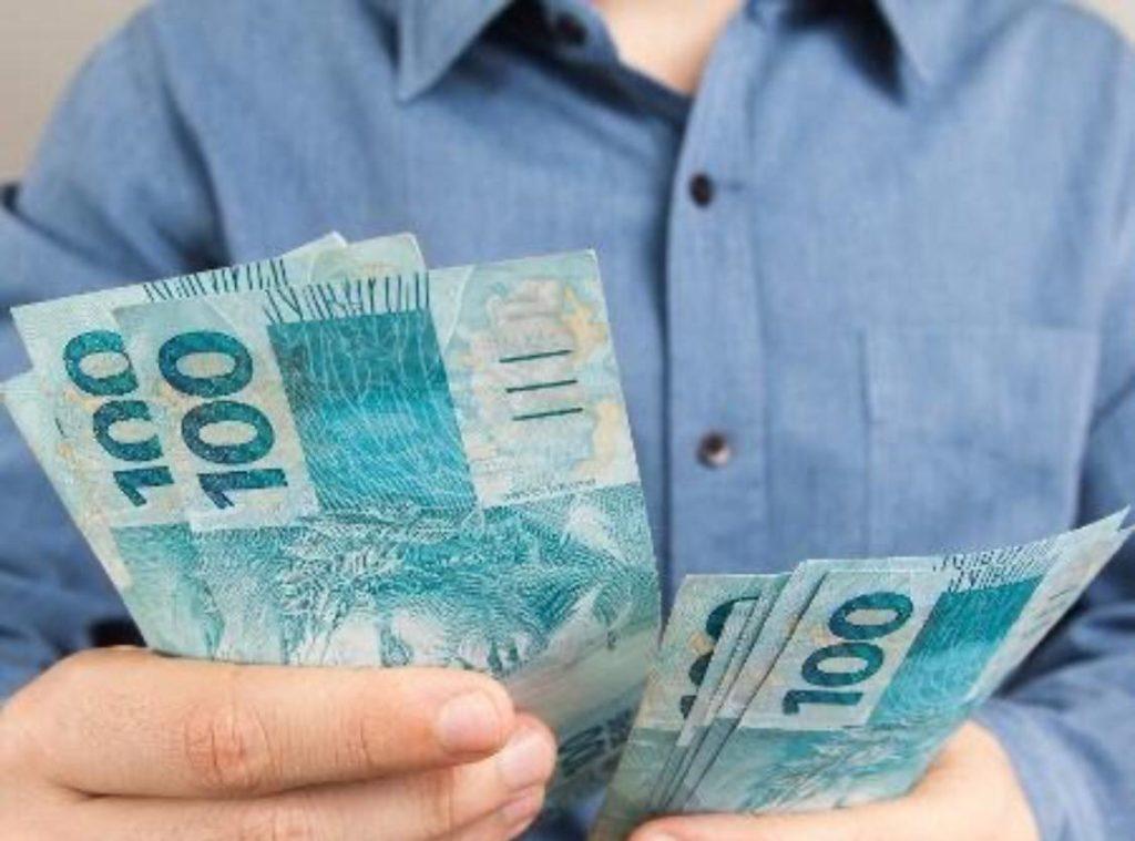 Senado aprova auxílio de R$ 600 a trabalhadores informais por três meses