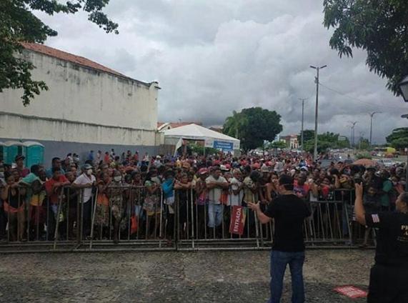Governo do Maranhão suspende doação de cestas básicas após ...