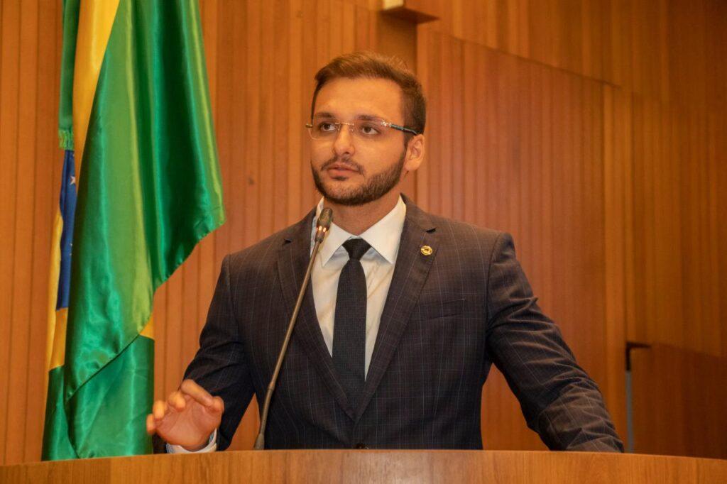 Lei do Deputado Felipe dos Pneus garante fim de multas por quebra de fidelidade com empresas de telefonia, internet e tv