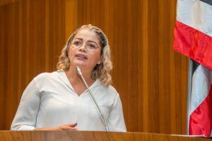 Aprovado Projeto de Lei pioneiro da Deputada Mical Damasceno que cria política de amparo às viúvas